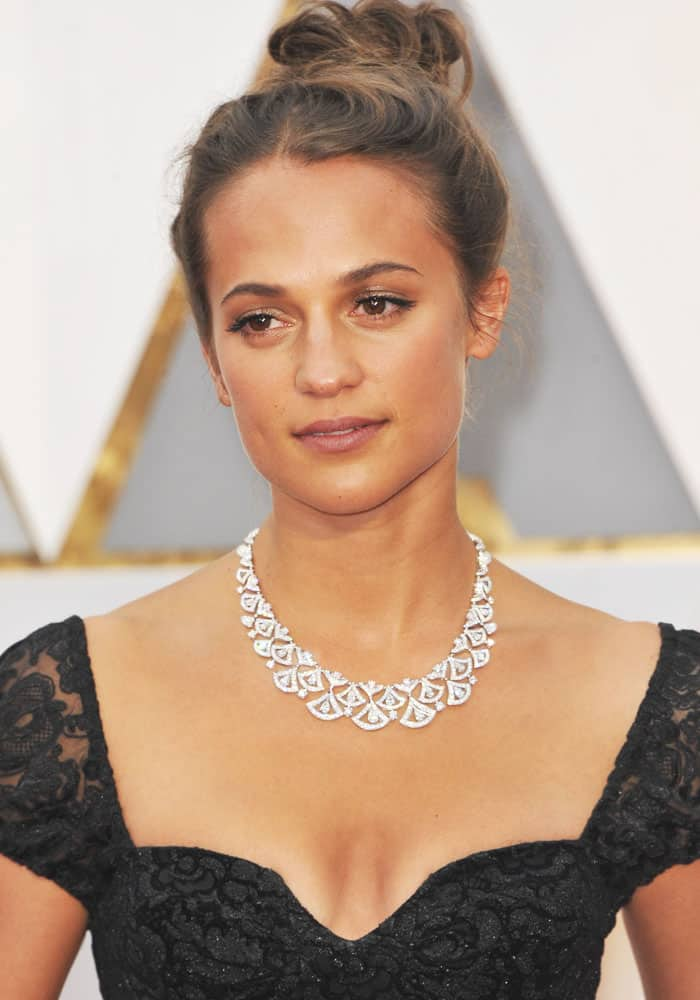 Alicia Vikander at the 89th annual Academy Awards