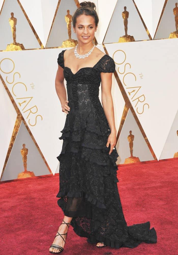 Alicia Vikander at the 89th annual Academy Awards