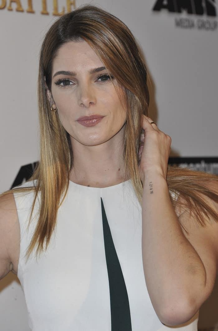 Ashley Greene wore Lizzie Mandler earrings