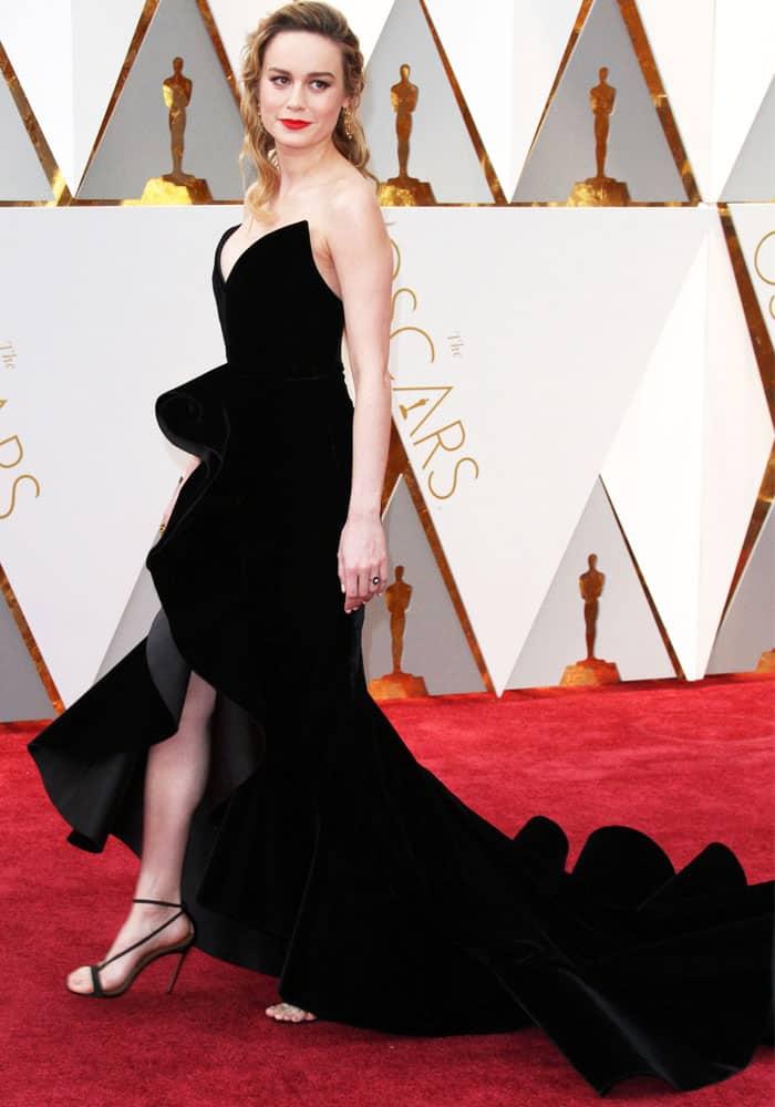 Brie works her red carpet magic in a romantic Oscar de la Renta velvet dress