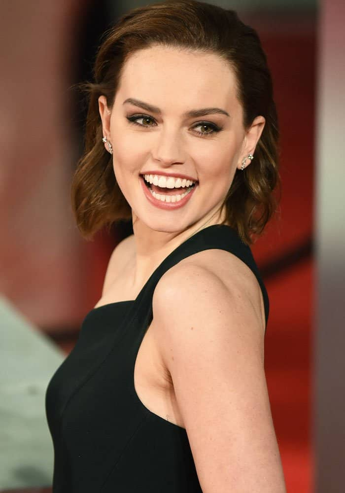 Daisy Ridley attending the 2017 EE British Academy of Film and Television Arts Awards