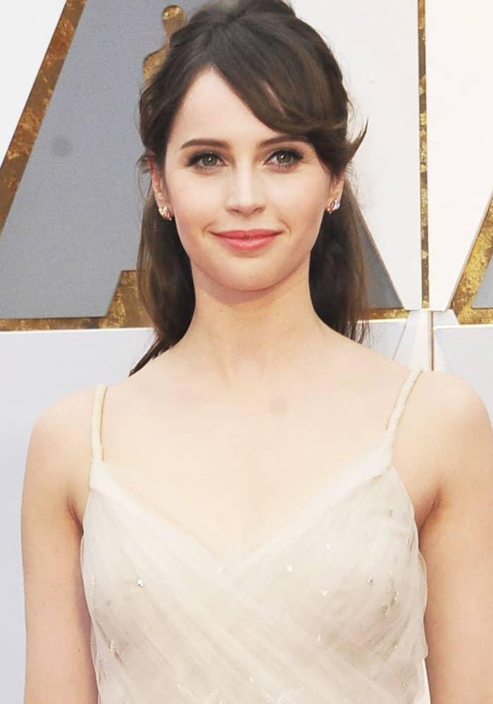 Felicity Jones at the 89th Annual Academy Awards