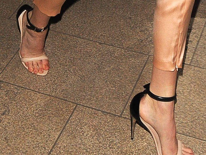 Kendall Jenner in La Perla two-tone sandals