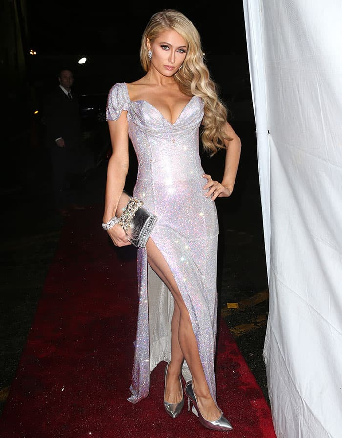 Paris Hilton accepted the award for Fragrance of the Year for her perfume Gold Rush
