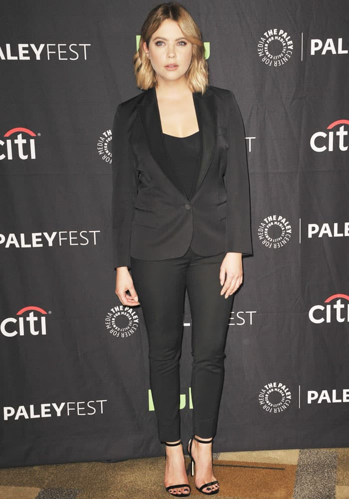 Ashley turned to Stella McCartney for her two-piece women's suit