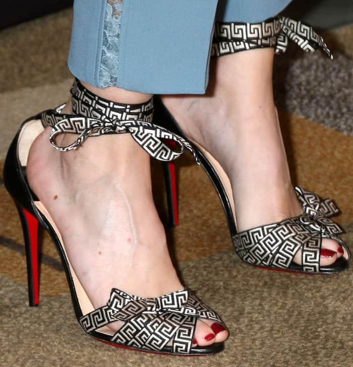 Ellen Pompeo displayed her hot pedicured toes