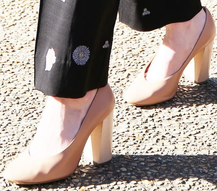 The actress gets chunky with the Chloé Harper pumps