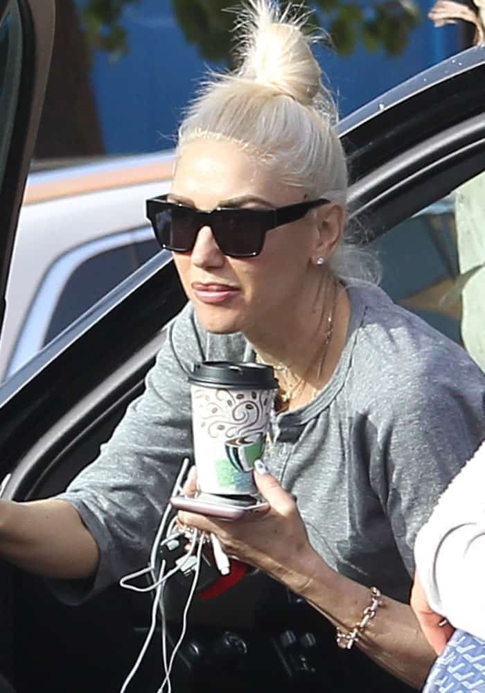 Gwen Stefani spotted taking her kids to her father's house in Los Angeles on March 19, 2017
