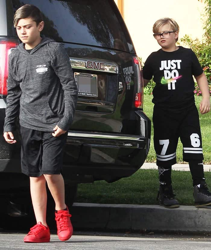 Gwen's sons Kingston, 10, and Zuma, 8, were seen trailing behind their mother
