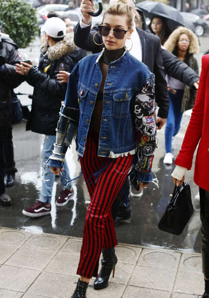Hailey Baldwin at the Paris Fashion Week Womenswear Fall/Winter 2017-2018 on March 1, 2017