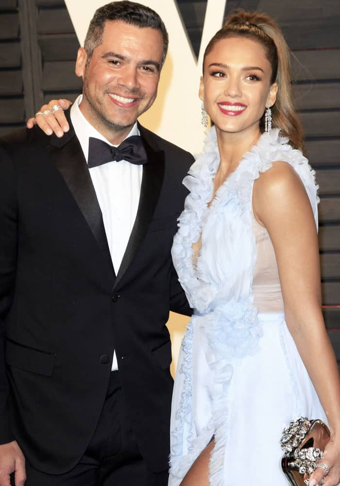 Jessica poses with her husband Cash Warren