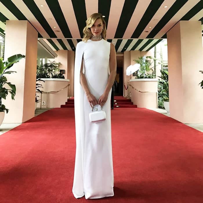 Karlie uploads her first behind-the-scenes snap before the Oscars