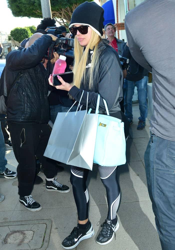 Khloe Kardashian goes to the spa in Santa Monica on February 28, 2017
