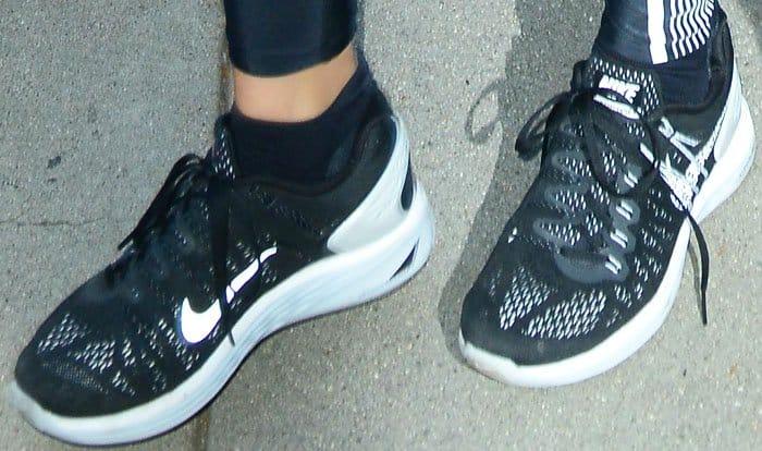 Khloe loves her Nike LunarGlide 5 sneakers