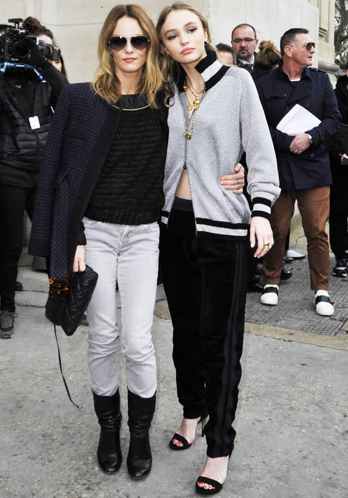 The actress poses with her mother and French celebrity Vanessa Paradis