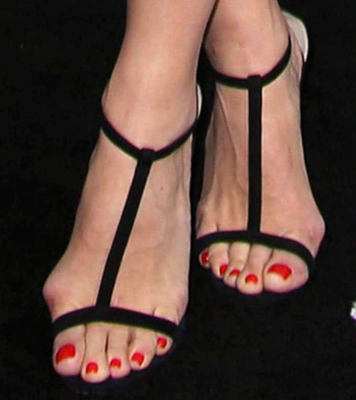 Molly Sims' Foot Bunions in Jimmy Choo Sandals