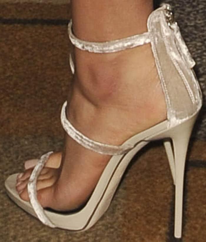 """Shay turned heads on the carpet in a pair of velvet Giuseppe Zanotti """"Harmony"""" sandals"""