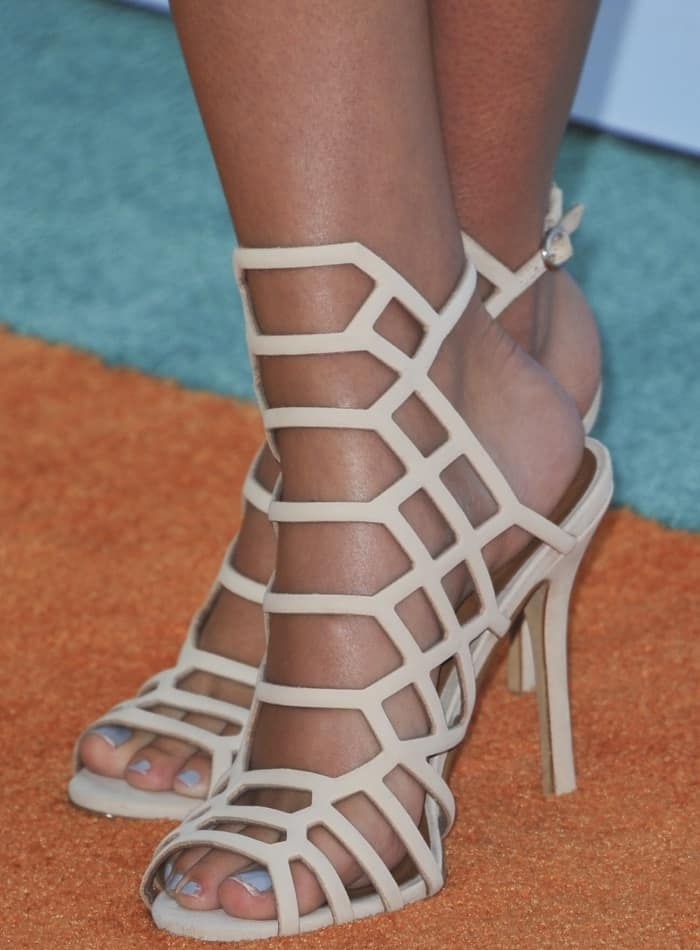 Ava Sambora wearing nude cage sandals at the 2017 Kids' Choice Awards