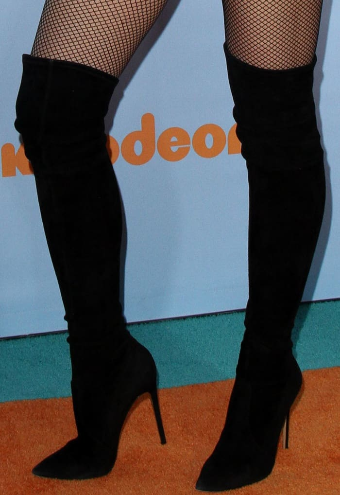Gwen Stefani wearing black suede over-the-knee boots at the 2017 Kids' Choice Awards