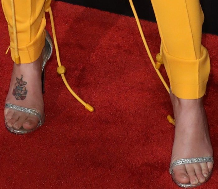 "Halsey wearing Stuart Weitzman ""Nudistsong"" sandals in pearl nappa leather at the 2017 iHeartRadio Music Awards"