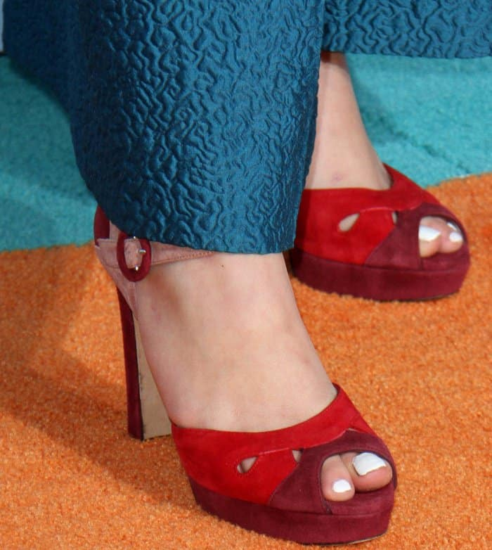 Maddie Ziegler wearing red L.K. Bennett peep-toe heels at the 2017 Kids' Choice Awards