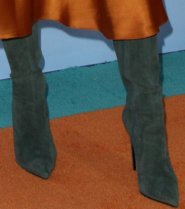 Zendaya wearing Le Silla green suede over-the-knee boots at the 2017 Kids' Choice Awards