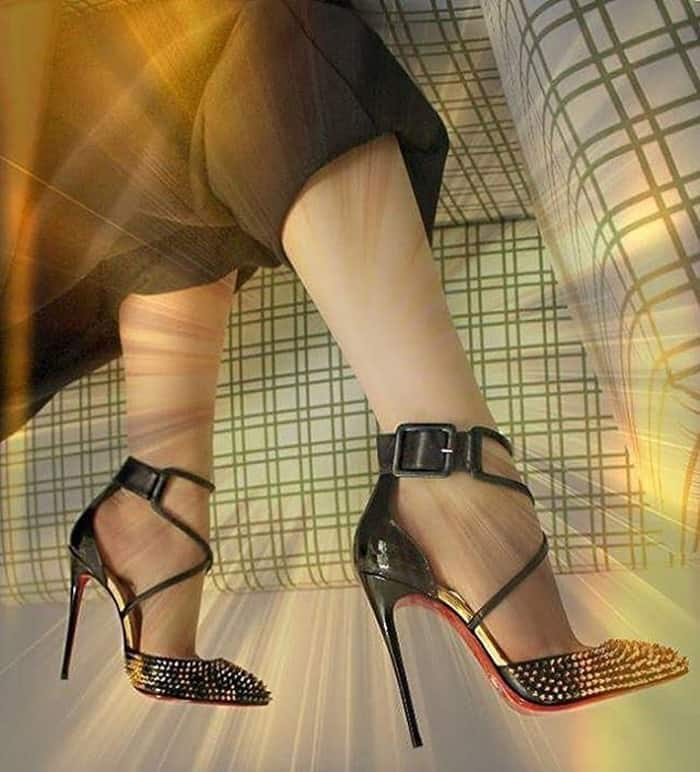 Christian Louboutin Suzanna Spikes pumps
