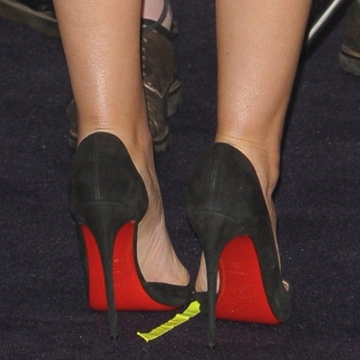 Elizabeth Olsen's red sole Christian Louboutin pumps
