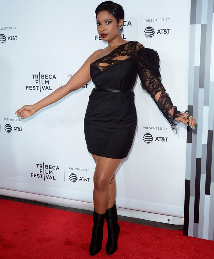 Jennifer Hudson flaunted her lean legs in an ill-fitting lace & crepe panel mini dress from Saint Laurent's Spring 2017 collection