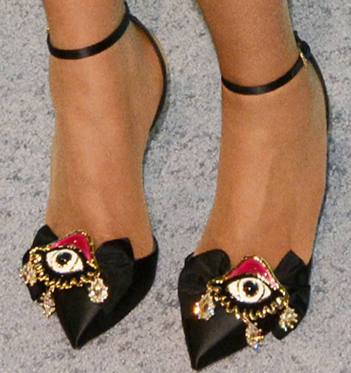 """The 35-year-old wore a quirky pair of DSquared2 """"Raso Speechio"""" pumps"""