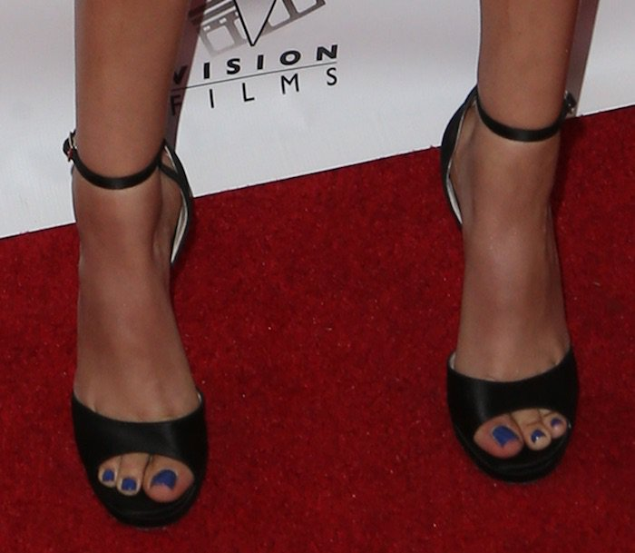 Victoria Justice paired her dress with Jimmy Choo ankle-strap sandals