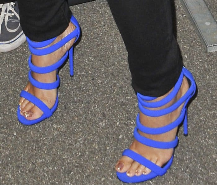 "Alicia Keys rocking electric blue ""Chantal"" sandals from Giuseppe Zanotti"