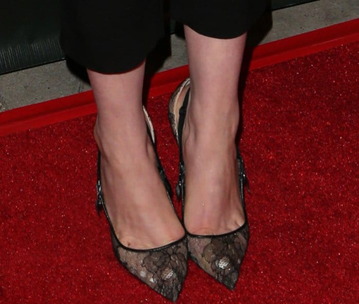 "Anne Hathaway wearing Christian Louboutin ""Hot Jeanbi"" Pumps at the ""Colossal"" LA Premiere"