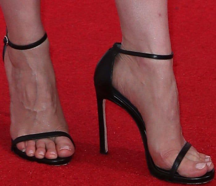 Jessica Chastain wearing Stuart Weitzman sandals at the CinemaCon 2017 Big Screen Achievement Awards