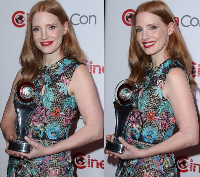 Jessica Chastain wearing a Zuhair Murad macrame dress and Stuart Weitzman sandals at the CinemaCon 2017 Big Screen Achievement Awards