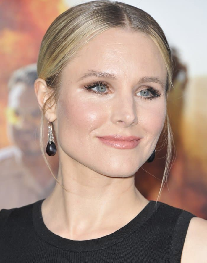 Kristen Bell wore her hair in a sleek middle-parted bun