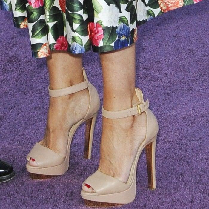 Sofia Vergara's feet inChristian Louboutin's 'Tuctopen' sandals