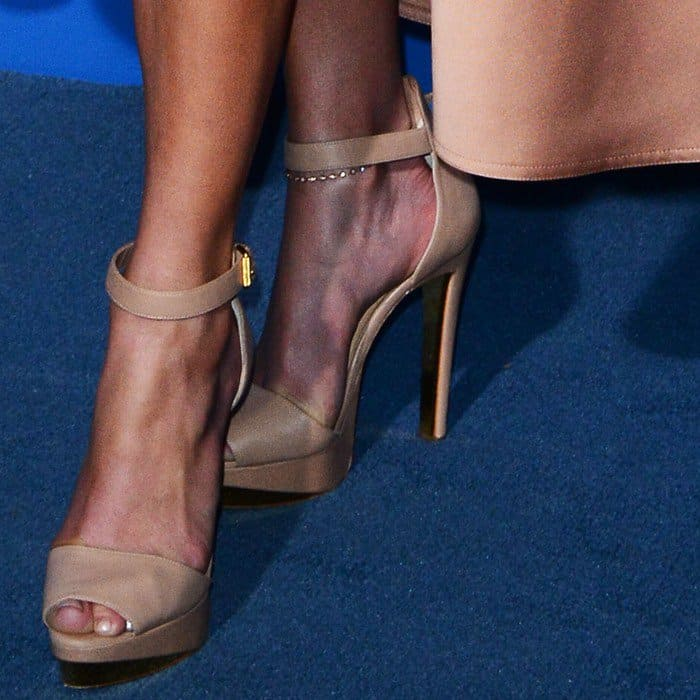 Jennifer Lopez's feet in Christian Louboutin 'Tuctopen' leather platform red sole sandals