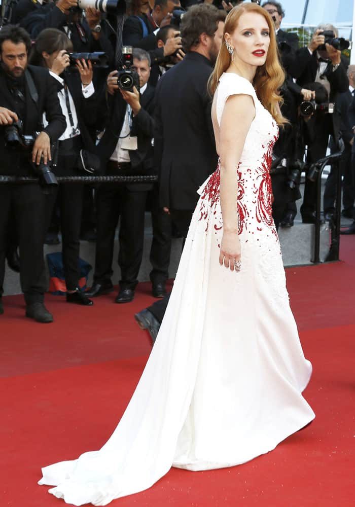 Jessica shows off her Zuhair Murad gown's beautiful train