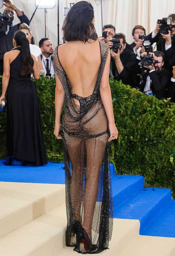 Kendall Jenner exposed her bare butt in a sheerLa Perla Haute Couture Collection dress