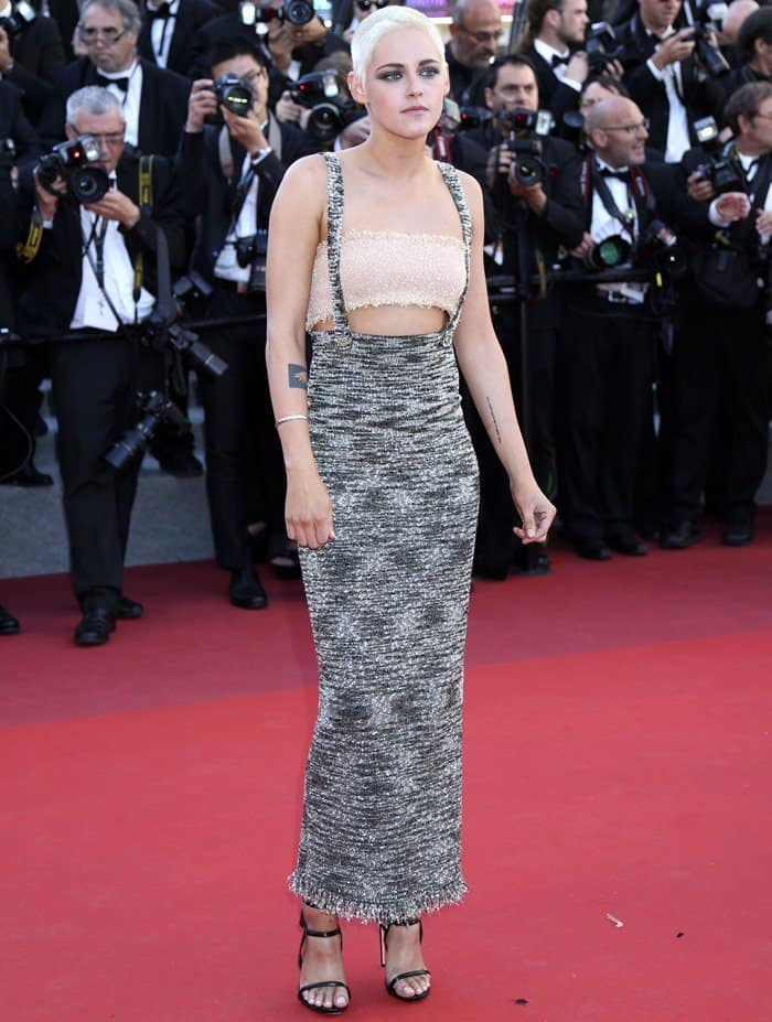 Kristen Stewart wearing Chanel on the red carpet at the '120 Beats Per Minute' premiere