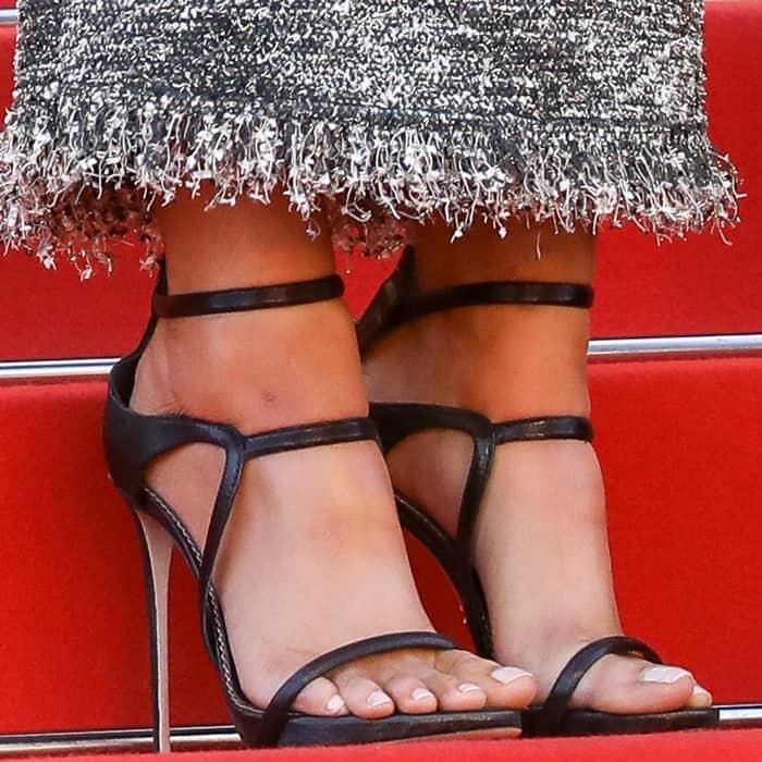 Kristen Stewart wearing Le Silla 'Award' sandals