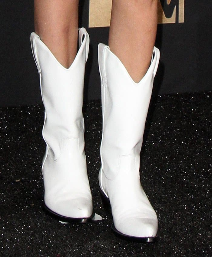 b2ea5e915dc Millie Bobby Brown Awarded in in Calvin Klein Cowboy Boots
