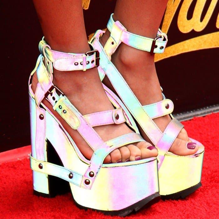 Teala rocking 5-inch psychedelic platform heels