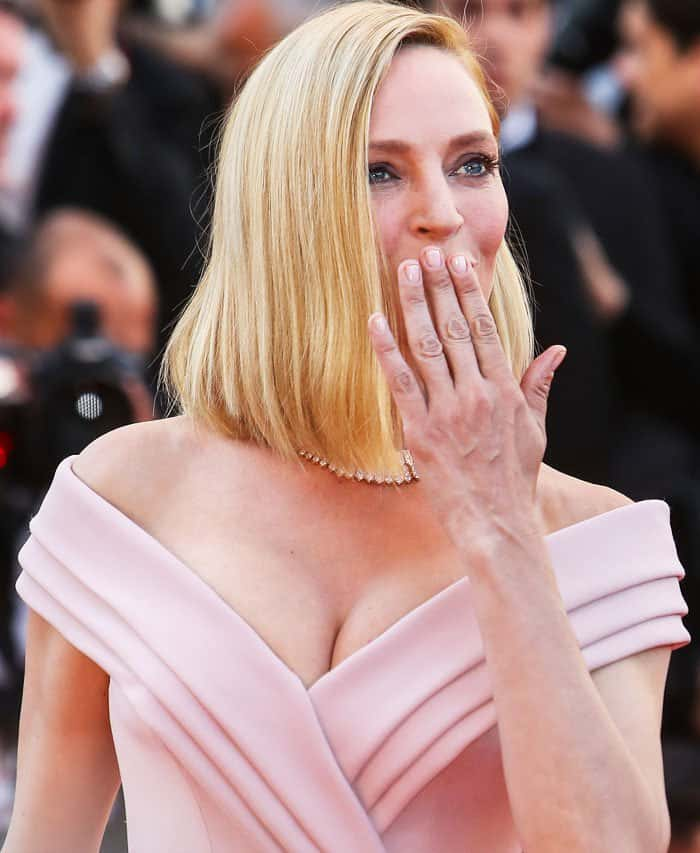 The actress complements her look with jewelry from Bulgari