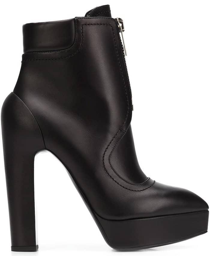 Vera Wang high-heeled zip boots