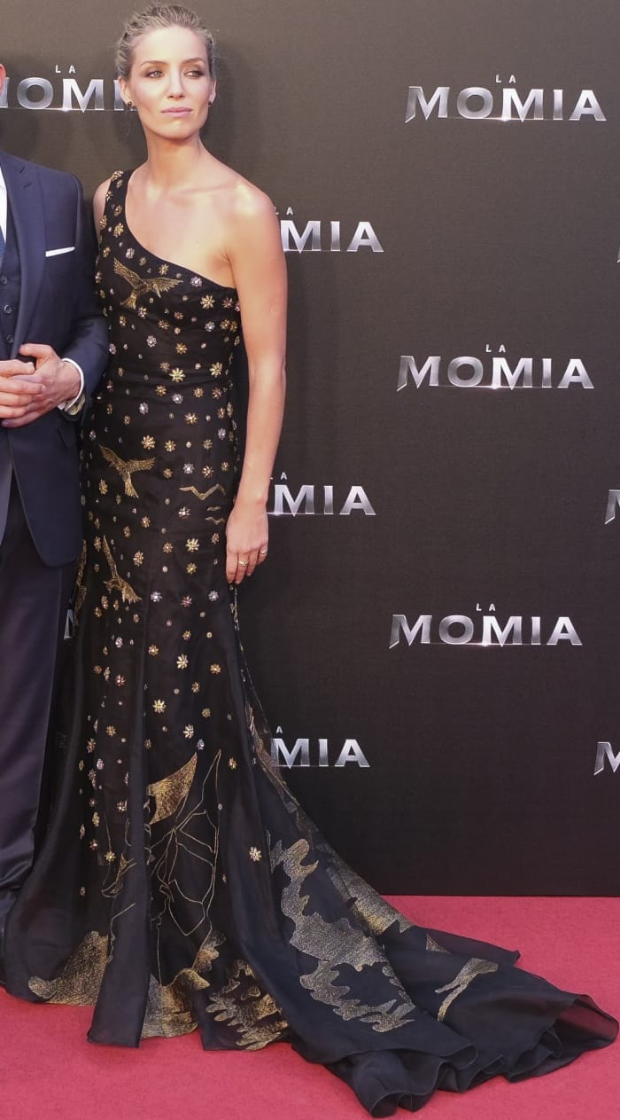 "Annabelle Wallis wearing a black Alberta Ferretti fall 2017 gown and Giuseppe Zanotti ""Harmony"" sandals at ""The Mummy"" Madrid premiere"