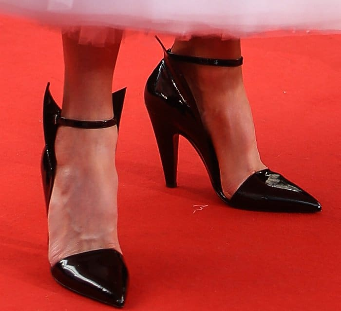 """Nicole Kidman wearing black Calvin Klein 205W39NYC pumps at """"The Killing of a Sacred Deer"""" premiere during the 70th annual Cannes Film Festival"""
