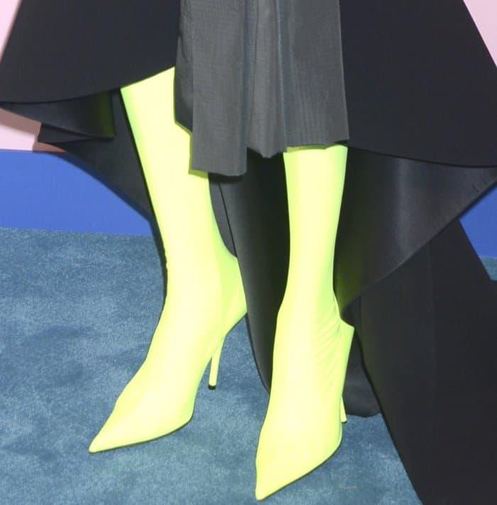 Alek Wek wearing Balenciaga Fall 2017 boots at the 2017 CFDA Fashion Awards