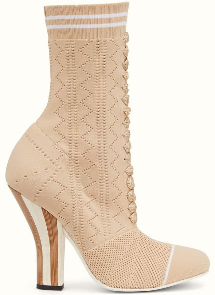 Fendi boots in beige fabric